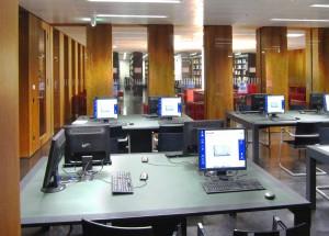 Medienmanagement studieren Bibliothek Computer