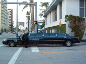 Sonderkennzeichen schwarze Limousine