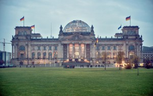 Sonderkennzeichen vor dem Reichstag